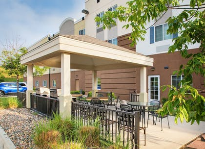 Terrace/Patio | Candlewood Suites Bellevue