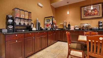 Breakfast Area | Best Western Plus New Caney Inn & Suites