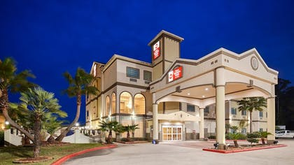 Hotel Front | Best Western Plus New Caney Inn & Suites