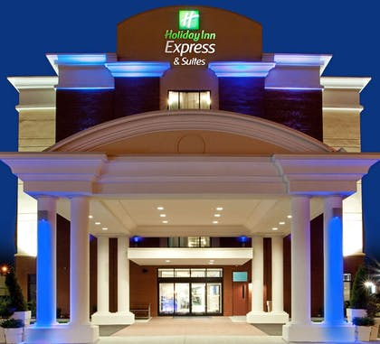 Featured Image | Holiday Inn Express Hotel & Suites Norfolk Airport