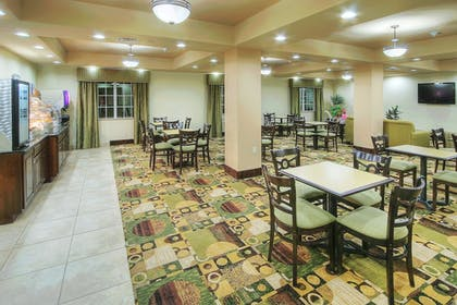 Restaurant | Holiday Inn Express Hotel & Suites Pecos