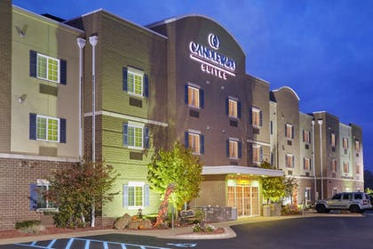 Featured Image | Candlewood Suites Milwaukee Airport