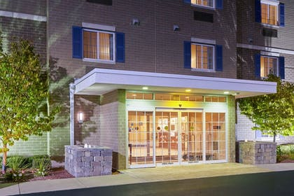 Hotel Front - Evening/Night | Candlewood Suites Milwaukee Airport