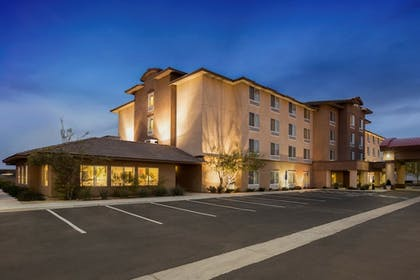 Featured Image | Ayres Hotel Barstow