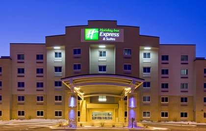 Featured Image | Holiday Inn Express Hotel and Suites Mankato East