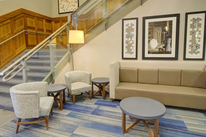 Lobby | Holiday Inn Express Hotel and Suites Mankato East