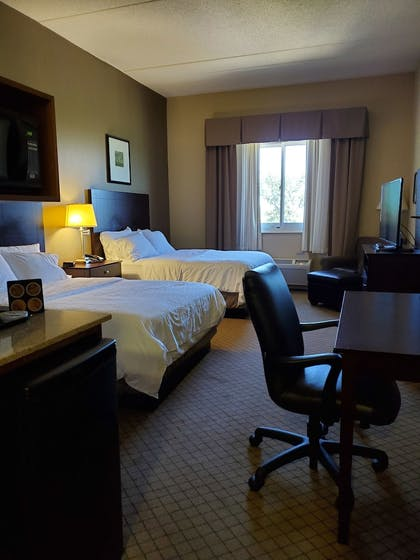 Room | Holiday Inn Express Hotel and Suites Mankato East