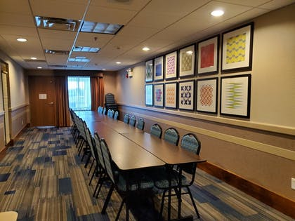 Meeting Facility | Holiday Inn Express Hotel and Suites Mankato East