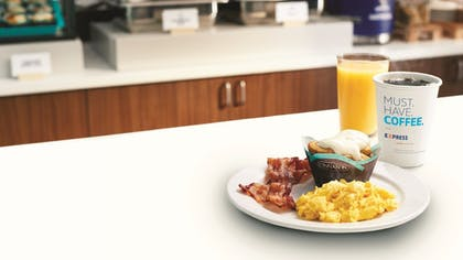 Restaurant | Holiday Inn Express Hotel and Suites Fort Stockton