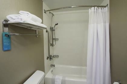 Bathroom | SpringHill Suites by Marriott Madera