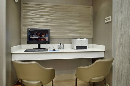 Business Center | SpringHill Suites by Marriott Madera