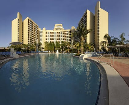 Outdoor Pool | Bay Lake Tower at Disney's Contemporary Resort