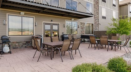 Terrace/Patio | Hampton Inn & Suites Pinedale