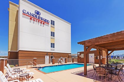 Pool | Candlewood Suites Ardmore Northwest