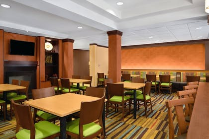 Restaurant | Fairfield Inn & Suites by Marriott St. Augustine I-95