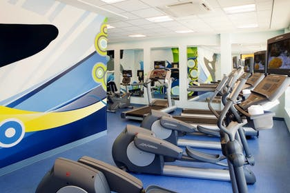 Sports Facility | Fairfield Inn & Suites by Marriott Orlando at SeaWorld