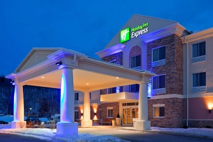 Exterior | Holiday Inn Express Hotel & Suites West Coxsackie
