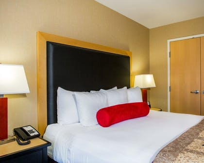 Guestroom | Cambria Hotel Madison East