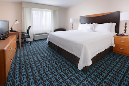 Guestroom | Fairfield Inn & Suites by Marriott Dallas Plano/The Colony