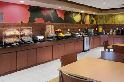 Breakfast Meal | Fairfield Inn & Suites by Marriott Dallas Plano/The Colony