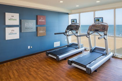 Gym | Comfort Suites Beachfront