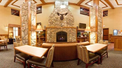 Dining | Holiday Inn Express Hotel & Suites Mountain Iron