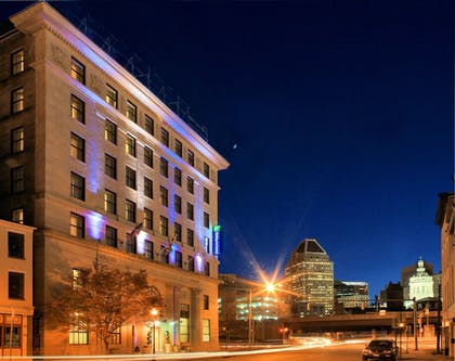 Featured Image | Holiday Inn Express Baltimore Downtown