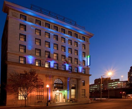 Hotel Front - Evening/Night | Holiday Inn Express Baltimore Downtown