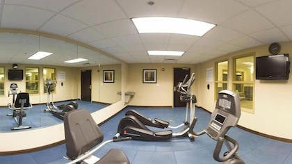 Fitness Facility | Holiday Inn Express & Suites Newport S