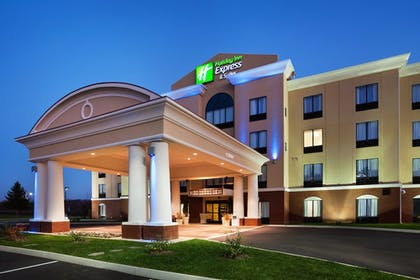 Featured Image | Holiday Inn Express & Suites Newport S