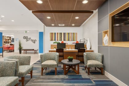 Lobby Sitting Area | Holiday Inn Express Hotel and Suites West Valley