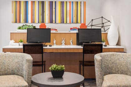 Business Center | Holiday Inn Express Hotel and Suites West Valley