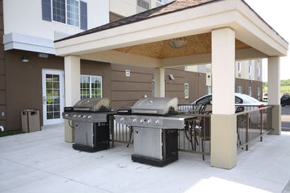 BBQ/Picnic Area | Candlewood Suites Watertown Fort Drum