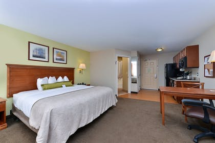 Room | Candlewood Suites Roswell New Mexico
