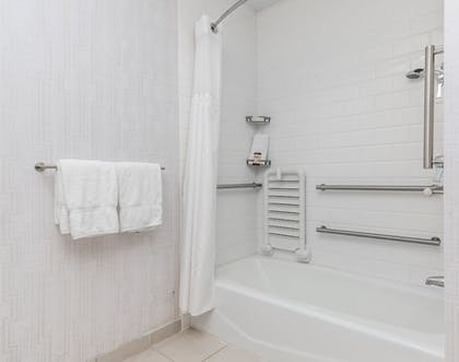 Guestroom   Four Points by Sheraton Fort Lauderdale Airport - Dania Beach