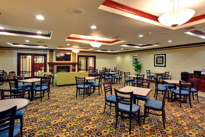 Restaurant | Holiday Inn Express & Suites Dewitt (Syracuse)