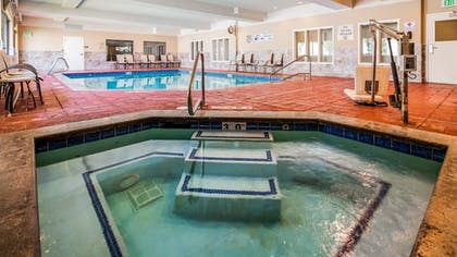 Pool | Best Western Plus Canyon Pines