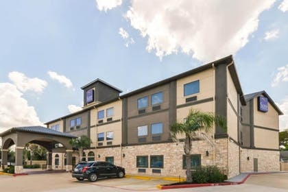 Featured Image | Sleep Inn & Suites Near Downtown North