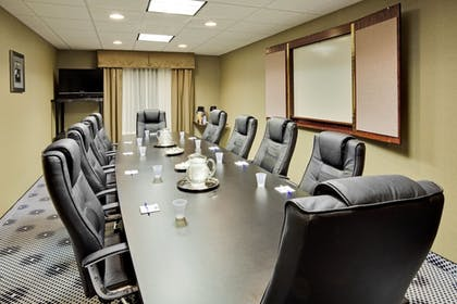 Meeting Facility | Holiday Inn Express Hotel & Suites Lebanon