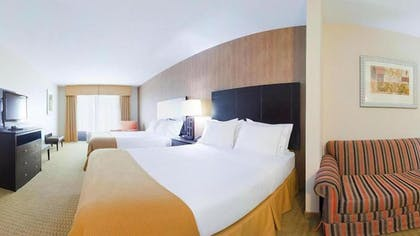 Guestroom | Holiday Inn Express Hotel & Suites Lebanon