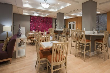 Restaurant | Holiday Inn Express Hotel & Suites Clute - Lake Jackson