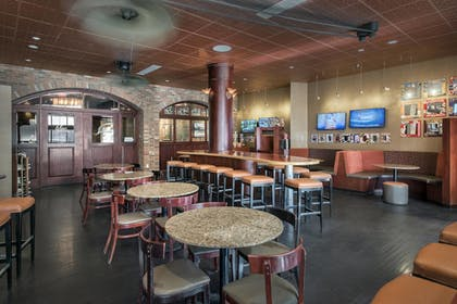Sports Bar | Fairfield Inn & Suites Baltimore Downtown/Inner Harbor