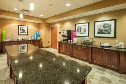 Breakfast buffet | Hampton Inn Presque Isle Maine
