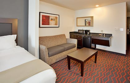 Room | Holiday Inn Express Hotel & Suites FESTUS - SOUTH ST. LOUIS