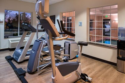 Gym | Holiday Inn Express Hotel & Suites Pittsburg