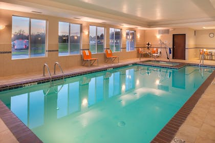 Indoor Pool | Holiday Inn Express Hotel & Suites Pittsburg