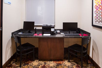 Business Center | Holiday Inn Express Hotel & Suites Pittsburg