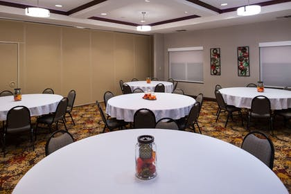 Banquet Hall | Holiday Inn Express Hotel & Suites Pittsburg
