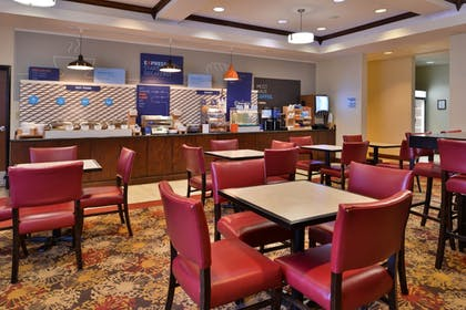 Restaurant | Holiday Inn Express Hotel & Suites Pittsburg