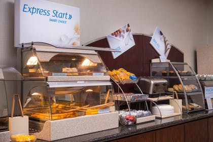 Food and Drink | Holiday Inn Express Hotel & Suites Pittsburg